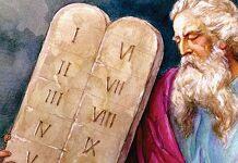 os 10 mandamentos moisés com as tábuas dos mandamentos lei de Deus