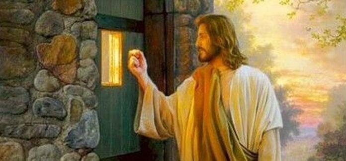 Jesus bate a porta ao noso encontro