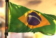 Bandeira do brasil hasteada, dia da pátria, 7 de setembro