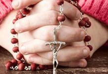 rezar o terço e perseverar na oração diária